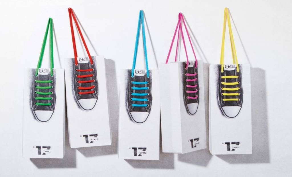 Shoelace shopping bag using Converse laces