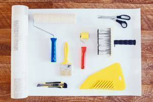 Tools for hanging wallpaper